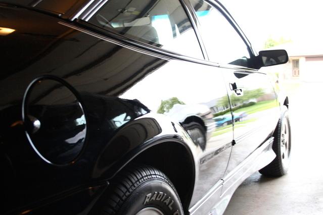 black-car-1450351-639x426