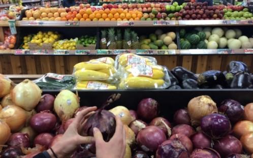 3 semne că cheltui prea mult pe mâncare