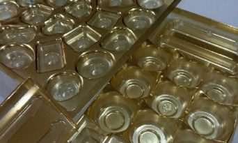 Cum să refoloseşti ambalajele de bomboane