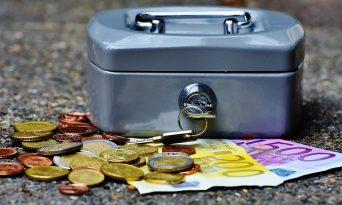 8 idei de câştiga mai mulţi bani lunar