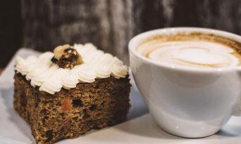 Prăjitură cu cafea şi nuci