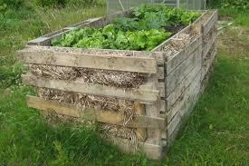 Jardiniere din materiale reciclate